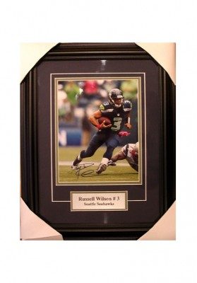 Russel Wilson, Autographed Photo