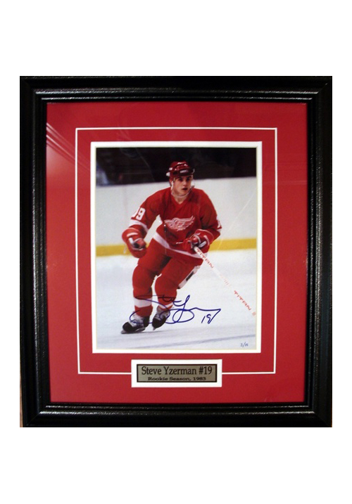 Steve Yzerman, Autographed Photo